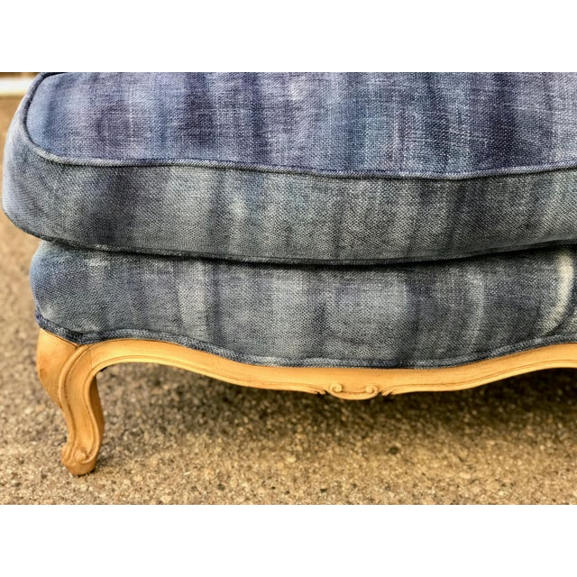 Early 20th Century Antique French Dip-Dyed Ombre Indigo Fabric Settee For Sale In Los Angeles - Image 6 of 10