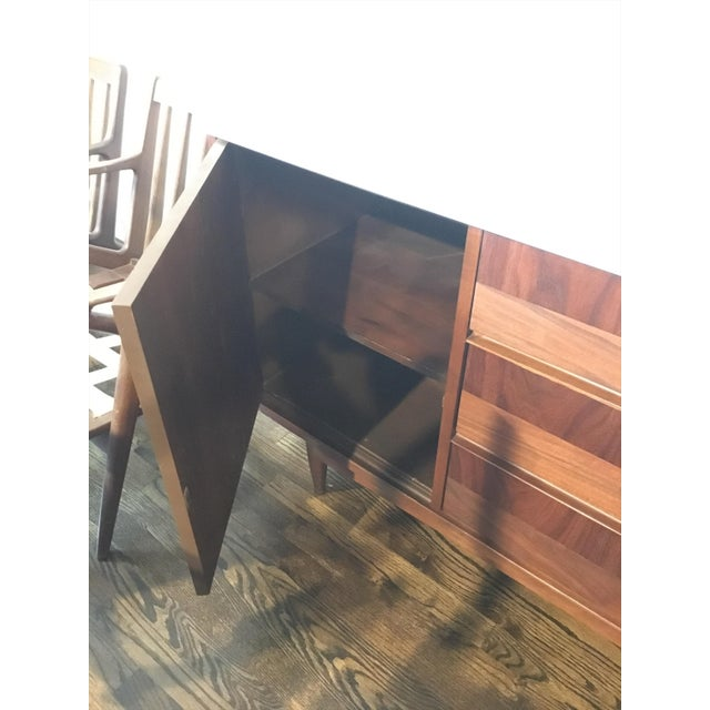 Mid-Century Modern White Top Walnut Credenza For Sale In New York - Image 6 of 6