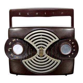 1953 Mid-Century Modern Zenith K412r Owl Eyes Portable Radio With Handle For Sale