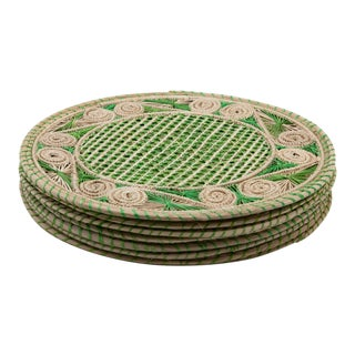 Green and Cream Round Iraca Fibre Placemats - Set of 8 For Sale