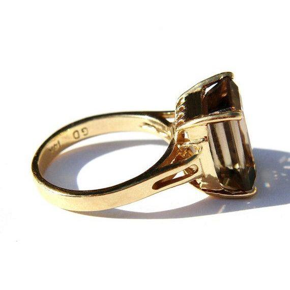 Modern 14k Gold Smokey Topaz Ring For Sale - Image 3 of 6