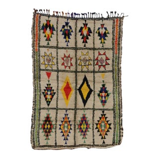 Berber Moroccan Rug with Tribal Design and Modern Style For Sale