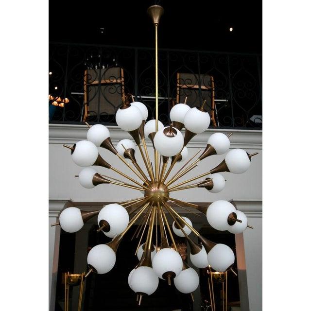 Italian 1960s Italian Brass Sputnik Chandelier With White Balls For Sale - Image 3 of 12