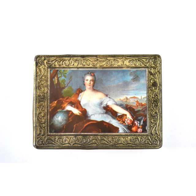 Mid 20th Century Vintage Italian Pagani Lecco Biscuit Tin With 18th-Century Aristocrat Portrait For Sale - Image 5 of 9