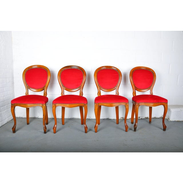 French Vintage Set of 4 French Louis XV Maple Dining Chairs W/ Red Velvet Upholstery For Sale - Image 3 of 11