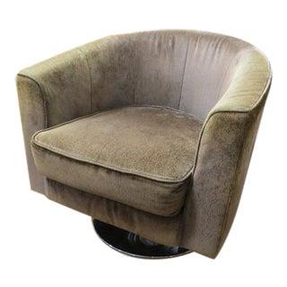 Vintage Mid-Century Modern Barrel Back Swivel Lounge Chair For Sale