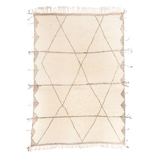 Moroccan White and Black Wool Rug With Pile - 10′4″ × 14′11″ For Sale