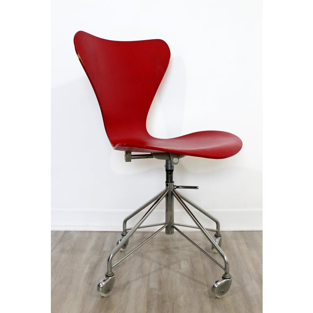 Mid Century Modern Arne Jaconbsen Fritz Hansen Danish Chair Model 3117Red For Sale - Image 11 of 11