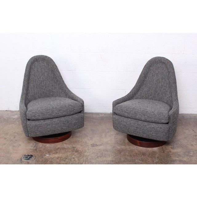 Milo Baughman for Thayer Coggin Pair of Petite Rocking Swivel Chairs by Milo Baughman For Sale - Image 4 of 13