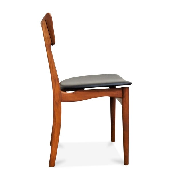 "Original Danish Mid Century Modern Teak Dining Chair - Set of 5 - ""Paul"" For Sale - Image 4 of 10"