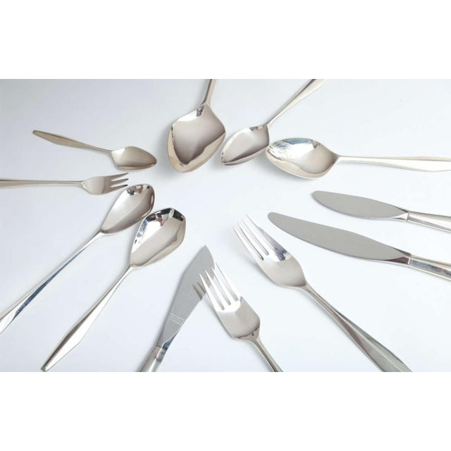 Mid-Century Modern Rare and Extensive Set of Gio Ponti Diamond Sterling Flatware For Sale - Image 3 of 6