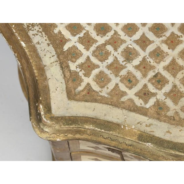 Vintage Italian Commode in Original Paint Gilding For Sale - Image 10 of 13