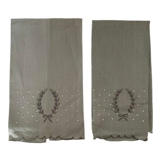 Pair of 1950s Grey Embroidered Linen Hand Towels For Sale