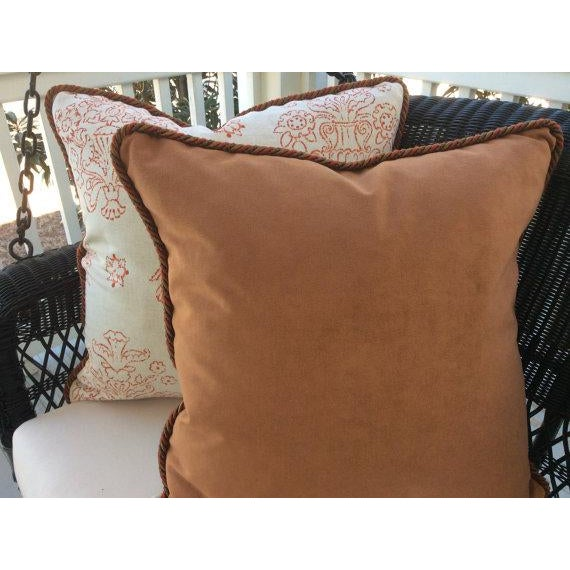 Victoria Hagan Victoria Hagan Pillows in Marianne Pumpkin Abstract Linen - a Pair For Sale - Image 4 of 4