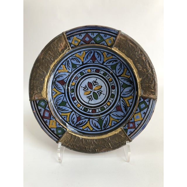 1970s Vintage Indigo Blue & Brass Hand Painted Moroccan Boho Chic Wall Plate For Sale In Boston - Image 6 of 6
