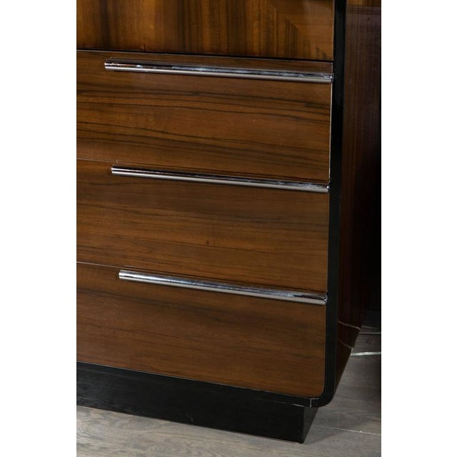 1930s Art Deco Bar Cabinet in Walnut and Black Lacquer For Sale - Image 5 of 10