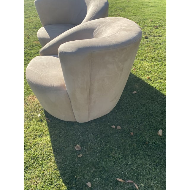 Vladimir Kagan Style Nautilus Swivel Lounge Chairs - a Pair For Sale In Palm Springs - Image 6 of 13