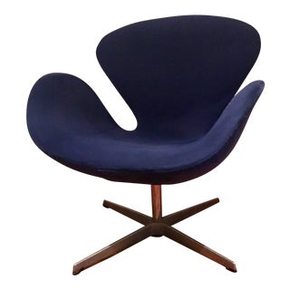 Arne Jacobsen for Fritz Hansen Danish Mid-Century Modern Blue Swan Chair
