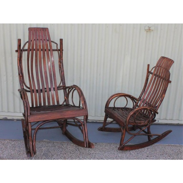 Amish Bent Wood Adults and Child's Rocking Chairs - Set of 2 For Sale In Los Angeles - Image 6 of 12