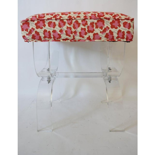 1970s Mid-Century Modern Charles Hollis Jones Lucite Stool Bench With New Upholstery Fantasy Leopard Motif For Sale - Image 5 of 12