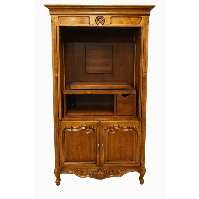 Traditional 20th Century Traditional Henredon Furniture Media Armoire Cabinet For Sale - Image 3 of 10