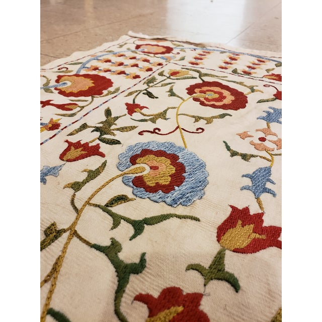 White 20th Century Asian Suzani Textile Rug - 3'5x3'7 For Sale - Image 8 of 10