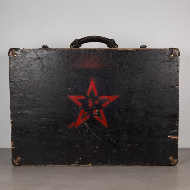 Hand Painted United States Navy Construction Mechanic Tool Box C.1940 For Sale - Image 4 of 9