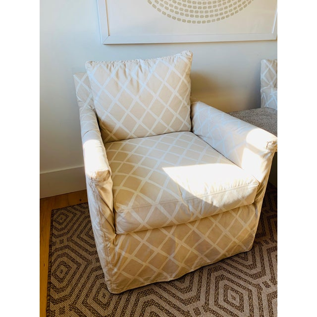 Beautiful Serena & Lily custom slipcovered spruce street chairs. Amazing condition (Rarely used in a room where no one...