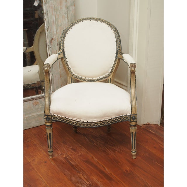 French PAIR OF LOUIS XVI PAINTED FAUTEUILS For Sale - Image 3 of 11