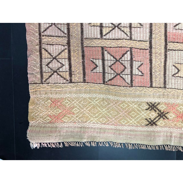 "1960s Vintage Beige Turkish Traditional Kilim Rug- 3'11"" x 4'5"" For Sale - Image 10 of 11"
