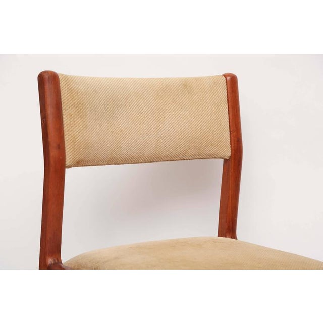 Set of Six J.L. Moller Teak Dining Chairs, 1960s, Denmark For Sale In Miami - Image 6 of 7
