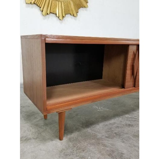 Mid-Century Modern Mid Century Modern Style Walnut Veneer Credenza/Media Records Cabinet For Sale - Image 3 of 13