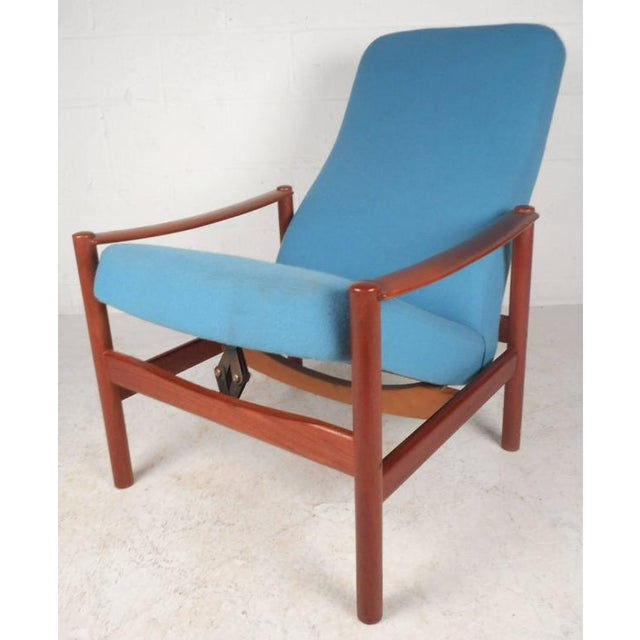 Mid-Century Modern Lounge Chair and Ottoman by Westnofa - Image 5 of 11