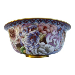 Vintage C.1900-30s Large Chinese Cloisonné Bowl With Chrysanthemums For Sale