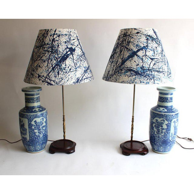 Pair of 19th Century Chinese Blue and White Vase Lamps For Sale In New York - Image 6 of 10