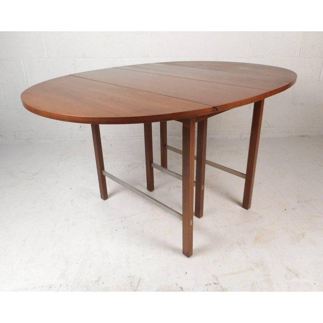 MidCentury Modern Expandable DropLeaf Dining Table By Paul McCobb - Mid century modern dining table with leaf