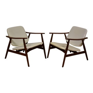 White Lounge Chairs - A Pair For Sale