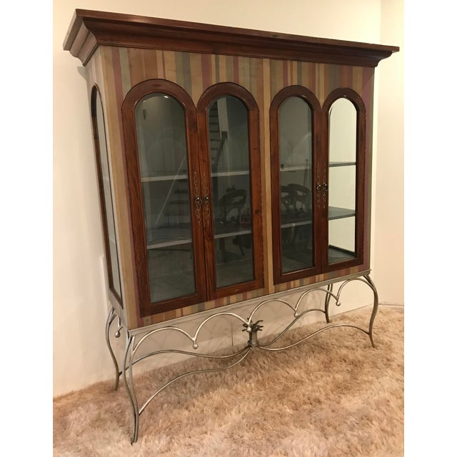 20th Century Traditional Guildmaster Mahogany Striped Curio/China Cabinet For Sale - Image 4 of 13