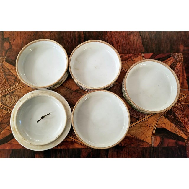 Asian 19th Century Tongzhi Dynasty Stackable Bowls With Lid - 4 Pc. For Sale - Image 3 of 13
