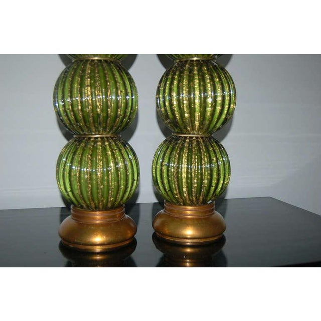 1950s Vintage Murano Glass Stacked Ball Table Lamps Bubbles Green Gold For Sale - Image 5 of 9