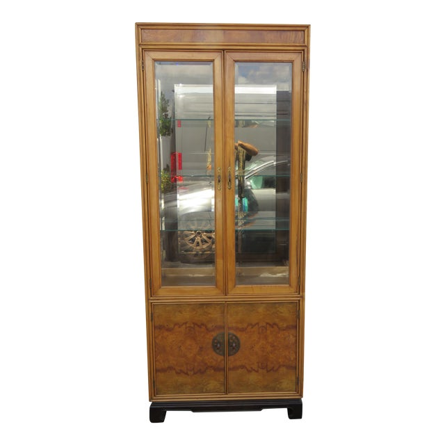 American of Martinsville Hollywood Regency China Display Cabinet Cupboard 2397 For Sale