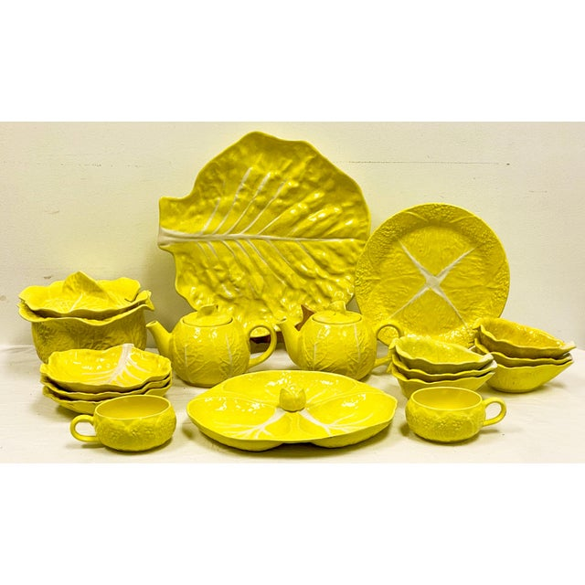 Ceramic Mario Buatta Style Yellow Lettuce Luncheon Set - Set of 16 For Sale - Image 7 of 12
