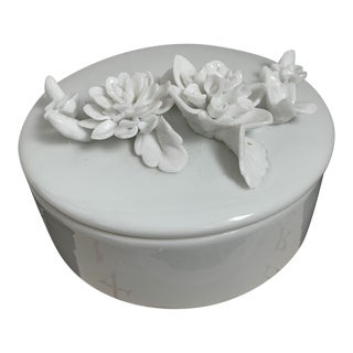 1980s White Cermic San Francisco Lidded Dish For Sale