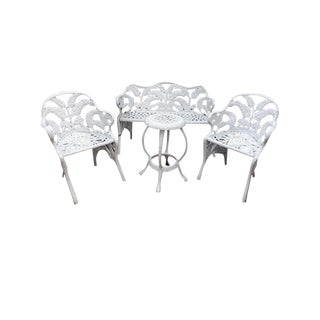 White Hollywood Regency Wrought Iron Patio Furniture Set in Fern or Palm Design For Sale