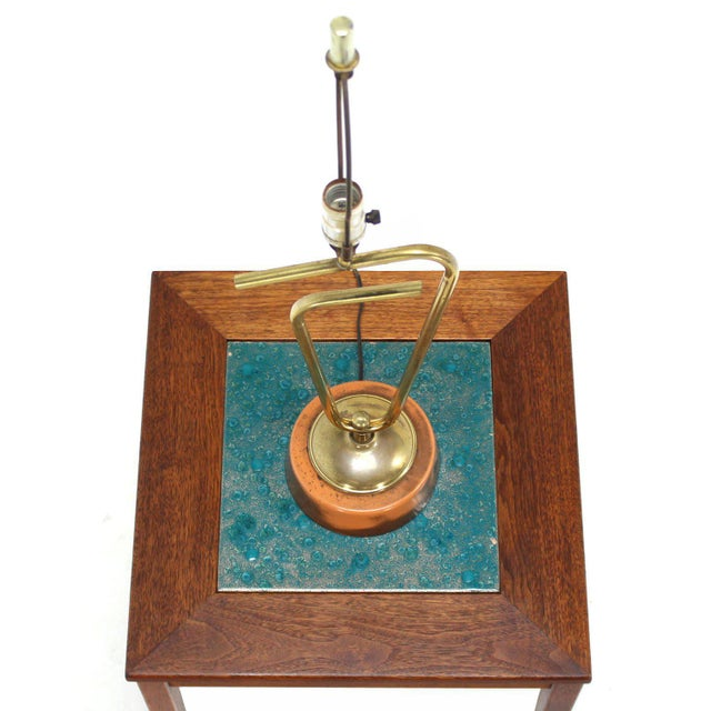 Sculptural Brass Table Lamp For Sale In New York - Image 6 of 7