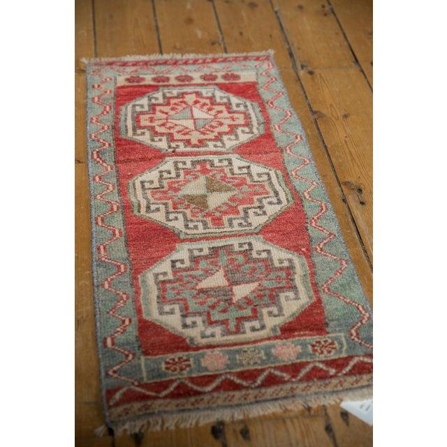 "Boho Chic Vintage Distressed Oushak Rug Mat - 1'4"" X 2'10"" For Sale - Image 3 of 7"