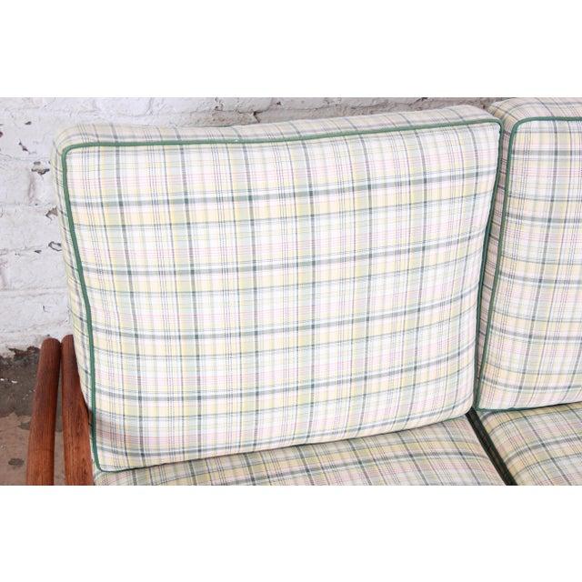Rattan Heywood Wakefield Hollywood Regency Mid-Century Modern Rattan Sofa For Sale - Image 7 of 13