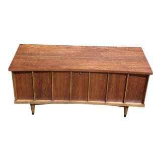 Vintage Mid Century Modern Low Profile Walnut Lane Sweetheart Cedar Chest Trunk
