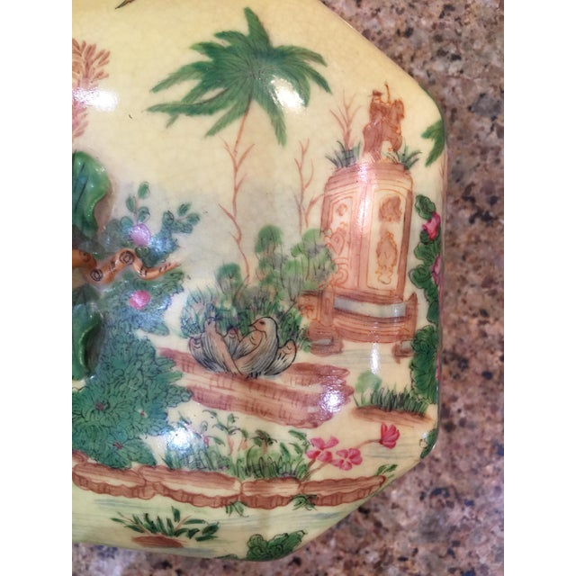 Chinoiserie Lidded Box Uw 1897 For Sale - Image 4 of 13