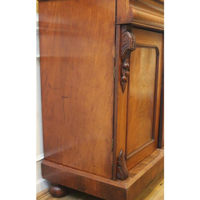 Wood 19th Century Victorian Mahogany Display Cabinet For Sale - Image 7 of 10
